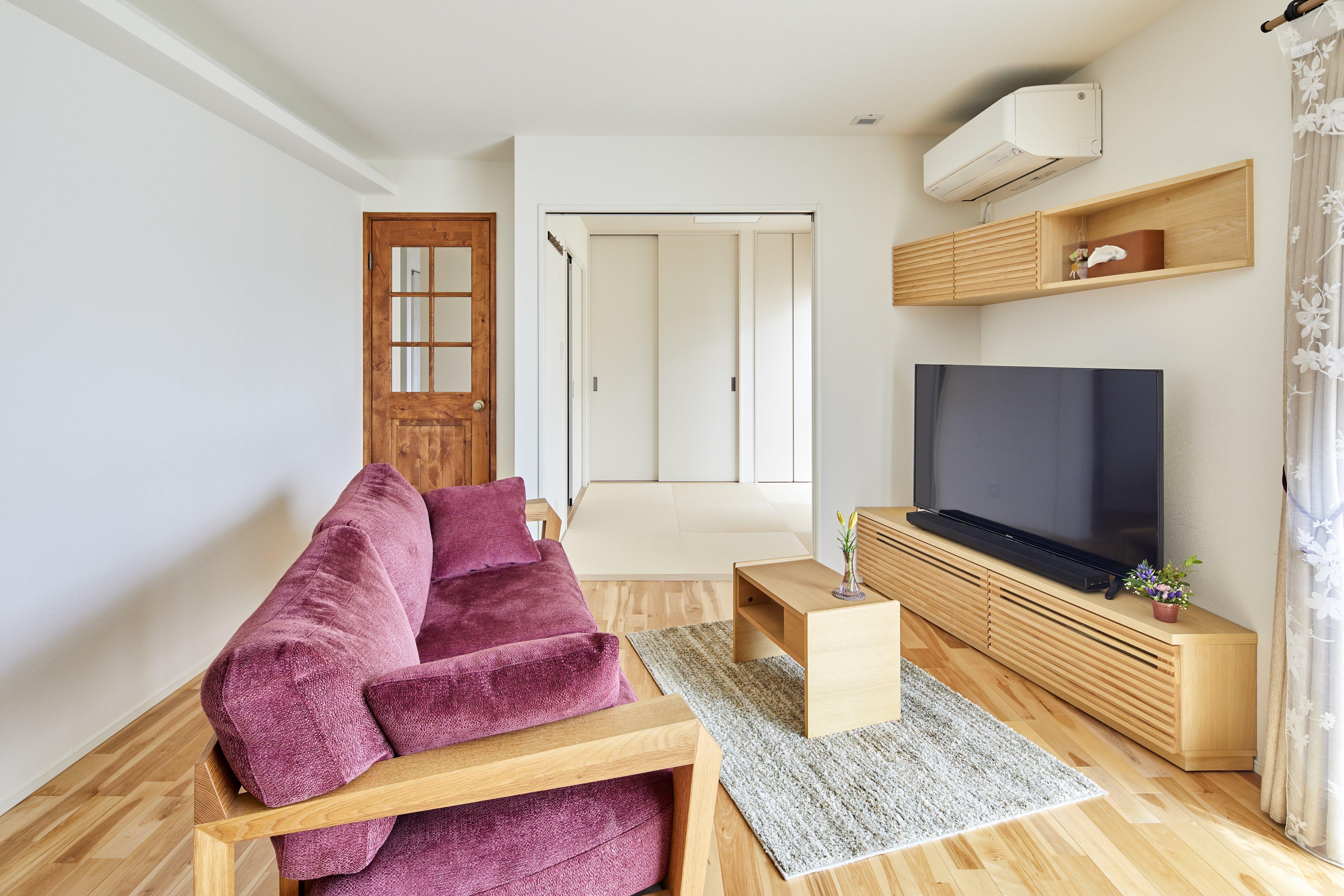 一つ一つの高品質な家具がしっかりとした存在感を出しながら、空間と調和