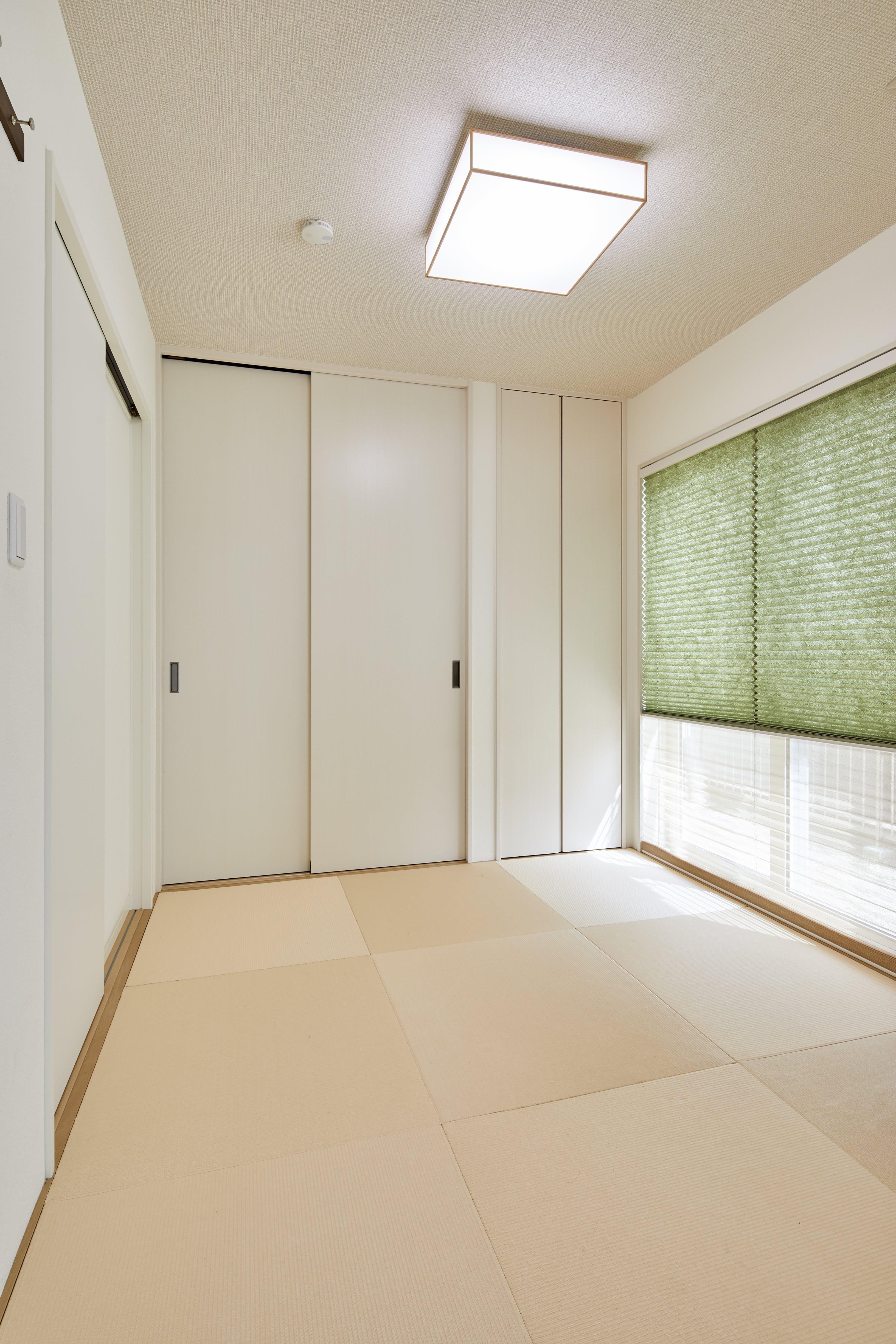 LDKの隣には和室を設計。収納も充実させた