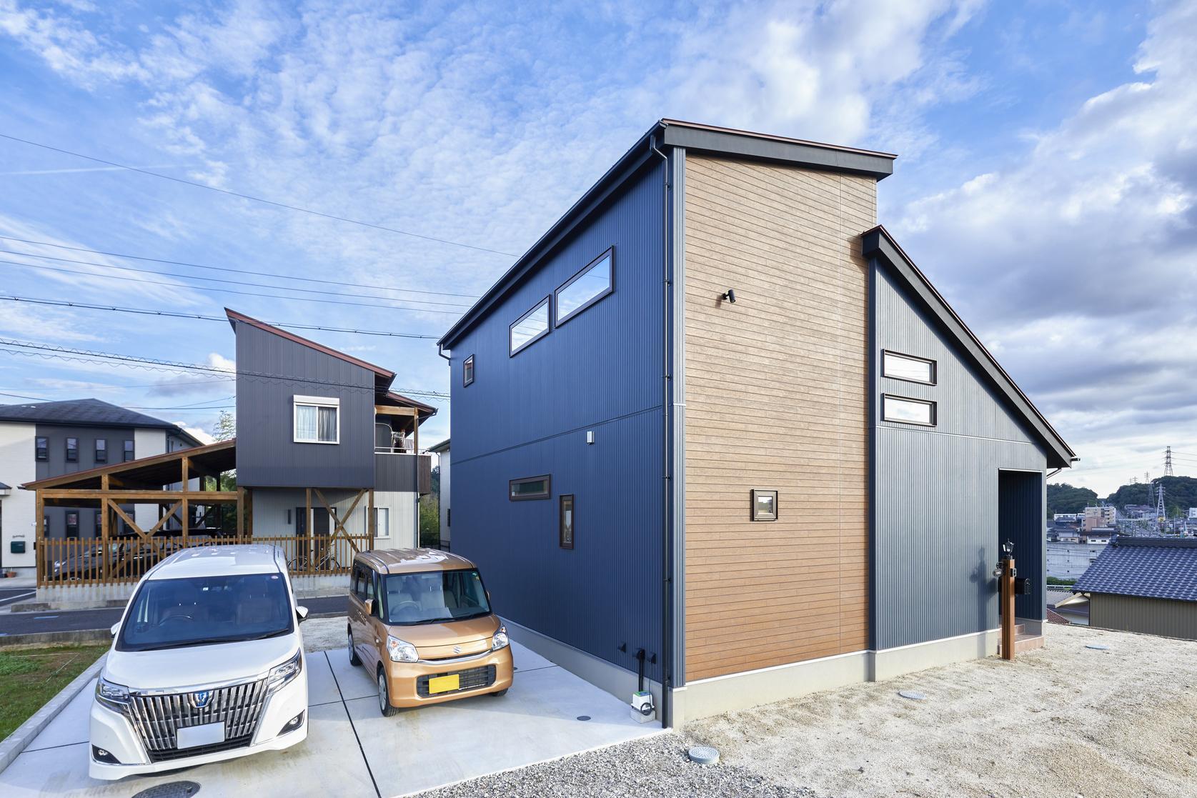 屋上には太陽光パネルを取り付け省エネで家計にも優しい家づくり