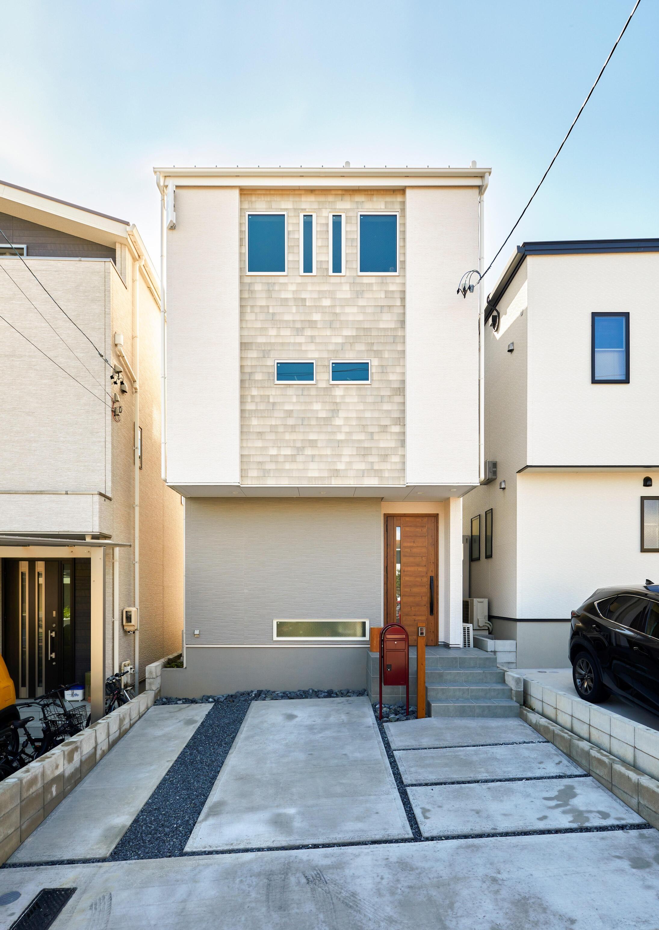 中三階や屋上、開放的な吹抜けを設計した、多階層なお住まい