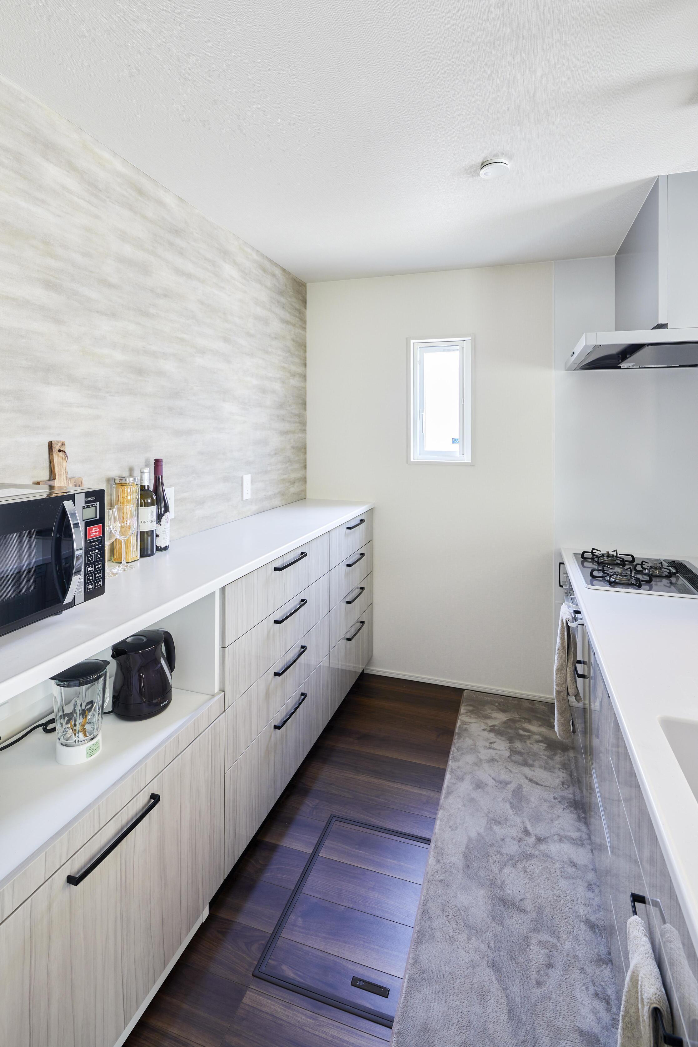 大容量のキッチン収納。常にスッキリした状態を保てる