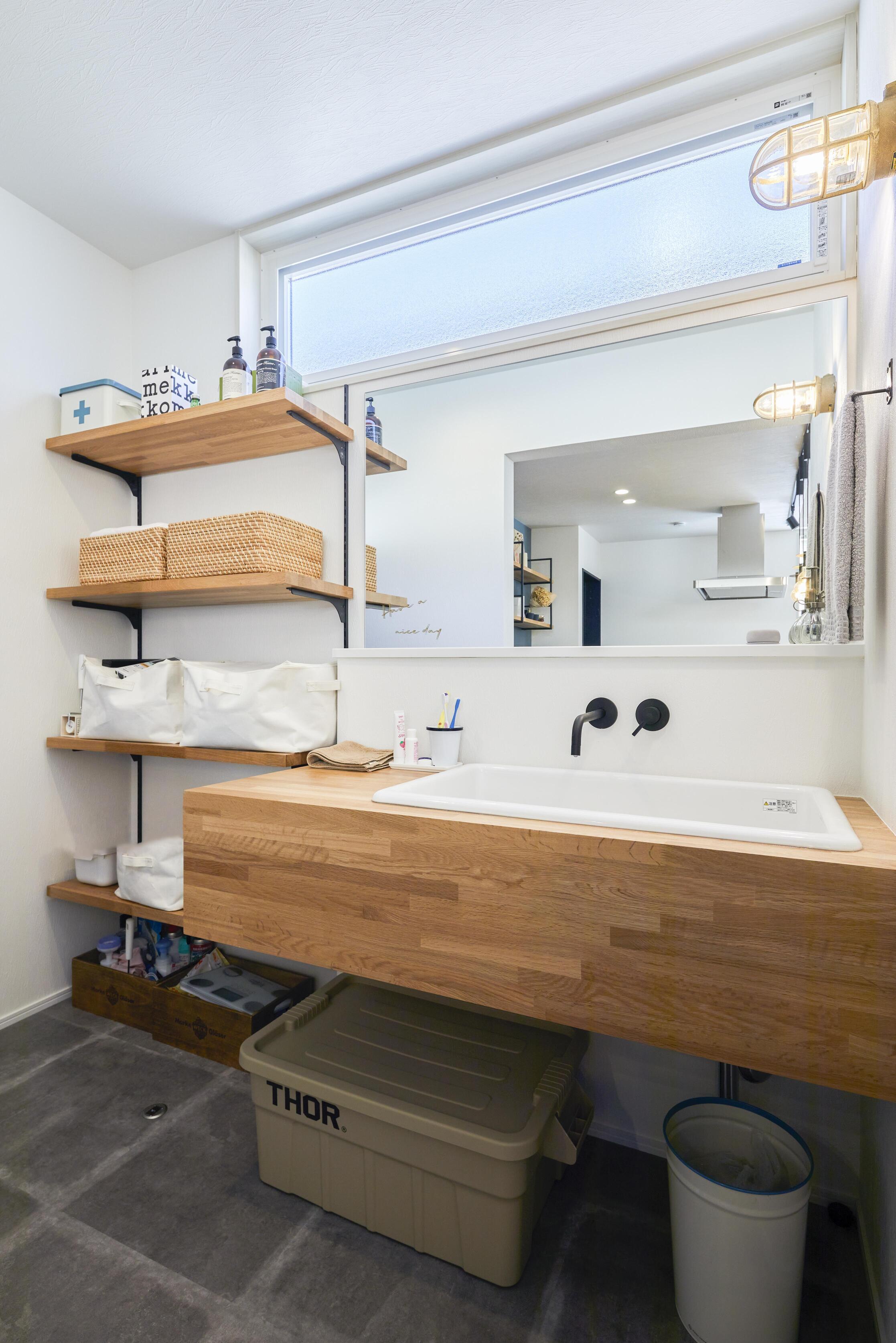 キッチン横に設計された洗面スペース