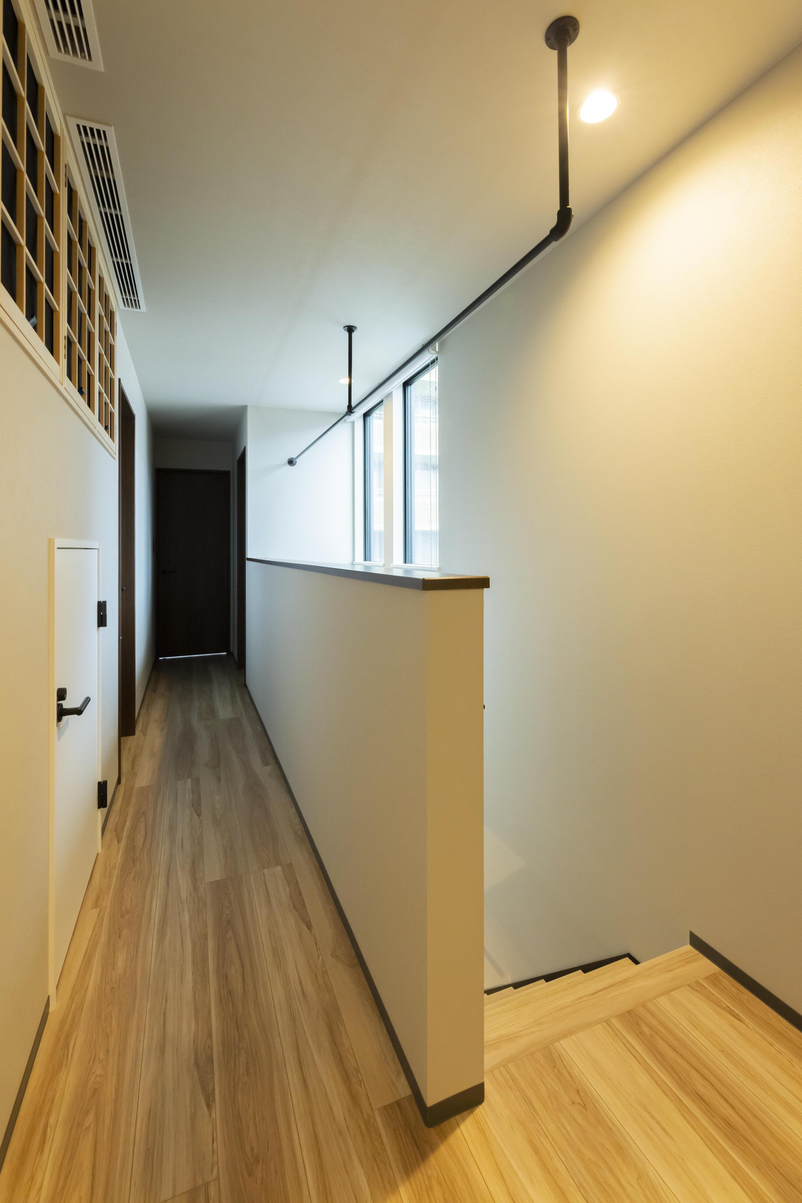 2階ホールには全館空調のための空調室を設けており、日々のメンテナンスもしやすい