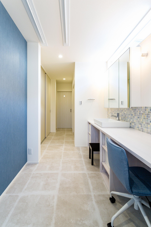 洗面所にはミセスコーナーも併設され、様々な家事をこなすのに何かと便利♪